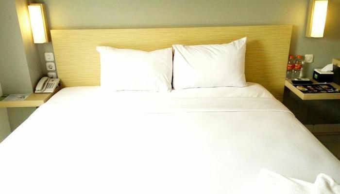 Odua Bekasi Hotel Bekasi - Deluxe King Room