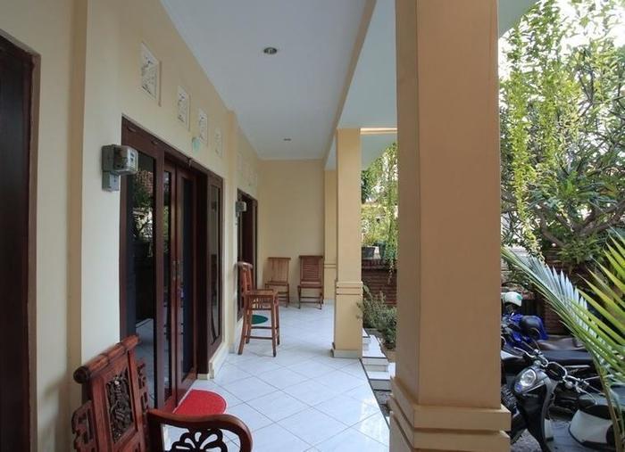 RedDoorz @Puri Gerenceng Tuban Bali - Eksterior