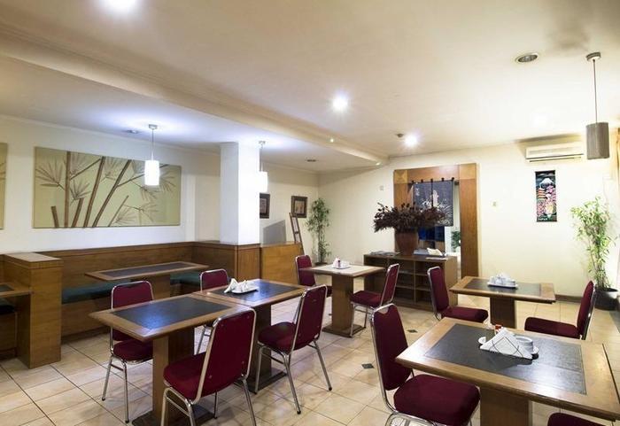 RedDoorz Apartment @Cilandak Jakarta - Restoran