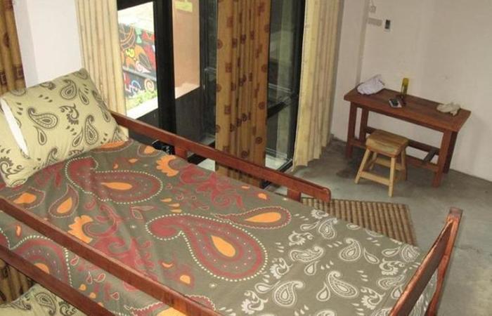 Canopy Center Hostel Syariah Pontianak - a