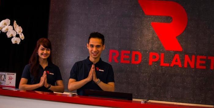 Red Planet Bekasi - Staff