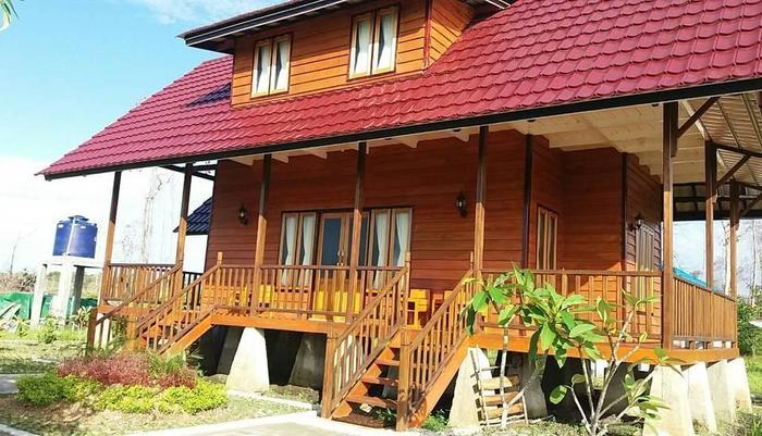 Pelangi Lake Resort Belitung - Rumah Nias