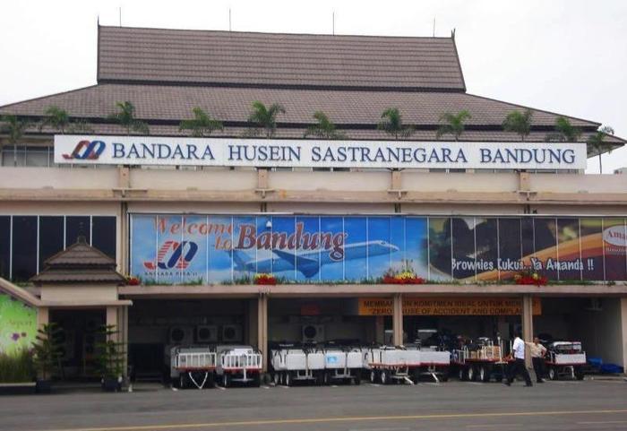 Ivory By Ayola Hotel Bandung - Surrounding Area
