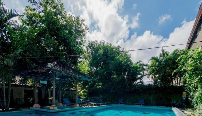 RedDoorz @Poppies Lane 1 Bali - Outdoor Pool