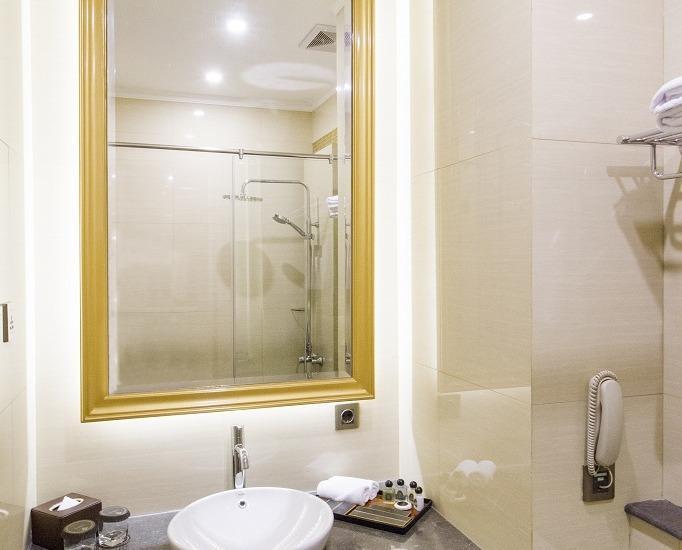 Park View Hotel Bandung - Bathroom