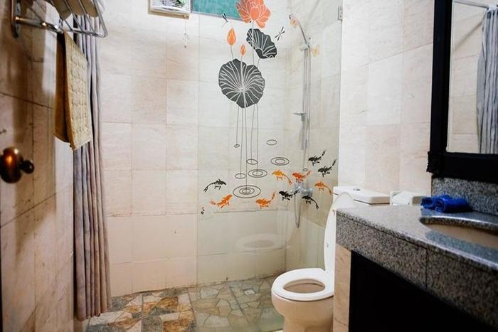 Ellies Hotel Bali - Kamar mandi