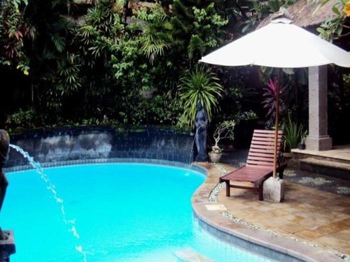 Ellies Hotel Bali - Kolam Renang