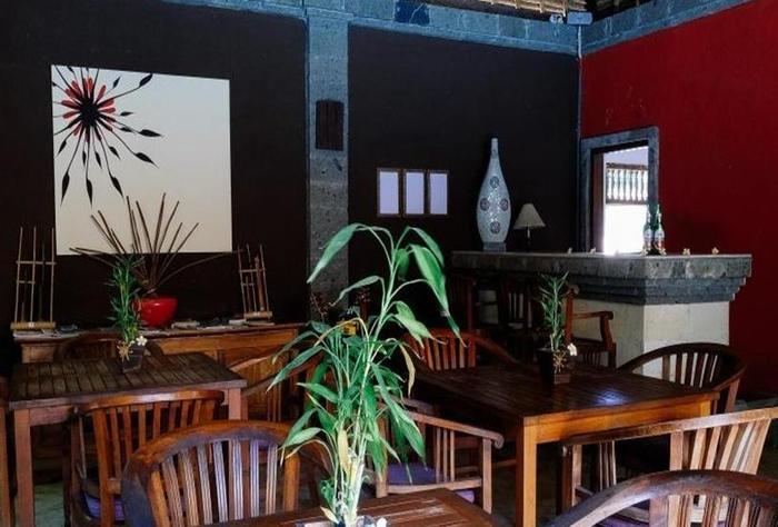 Ellies Hotel Bali - Lobi