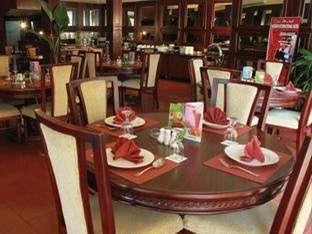 Pardede Hotel Medan - Lounge