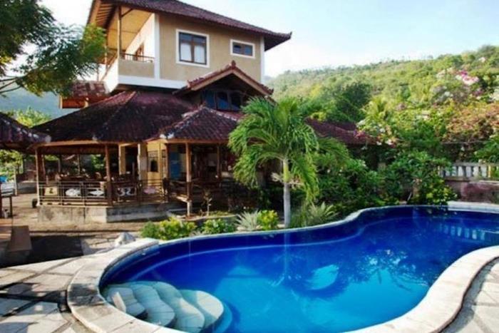 Divers Cafe & Bungalow Bali - Kolam Renang