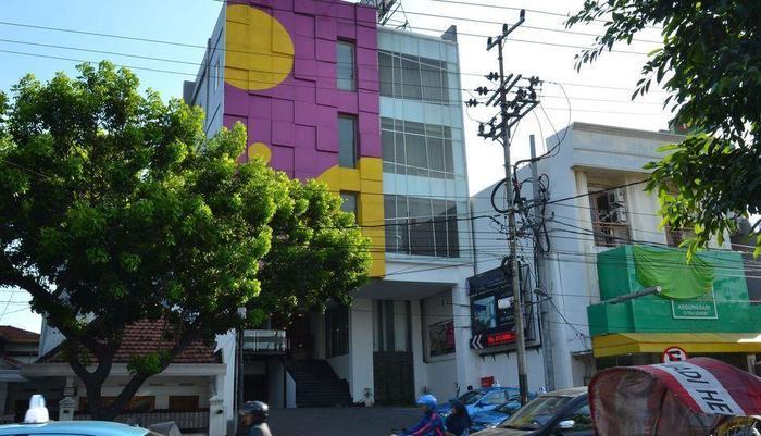 ZEN Rooms Kedung Sari Wonorejo Surabaya - Eksterior
