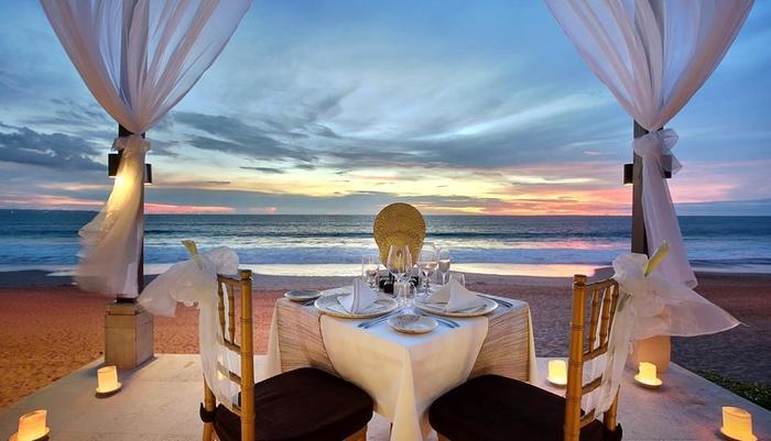 Seminyak Beach Resort Bali - Purnama Pavillion - Candle Light Dinner set up