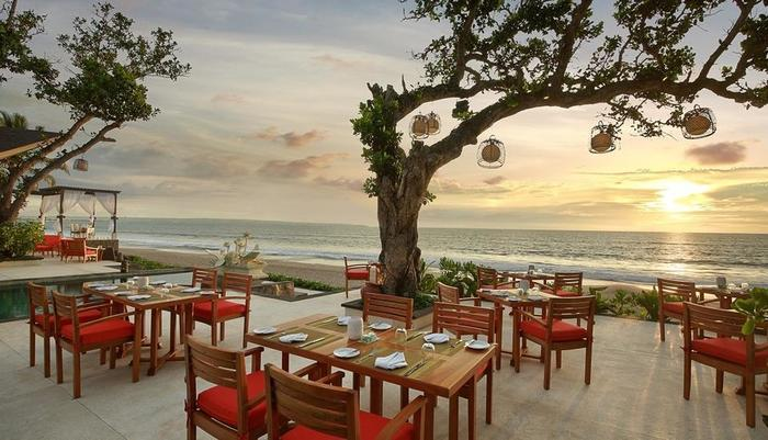 Seminyak Beach Resort Bali - Sanje Lounge - Set up