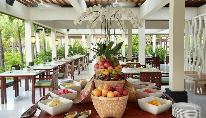 Seminyak Beach Resort Bali - Santan Restaurant - Buffet Breakfast, Fruit Corner