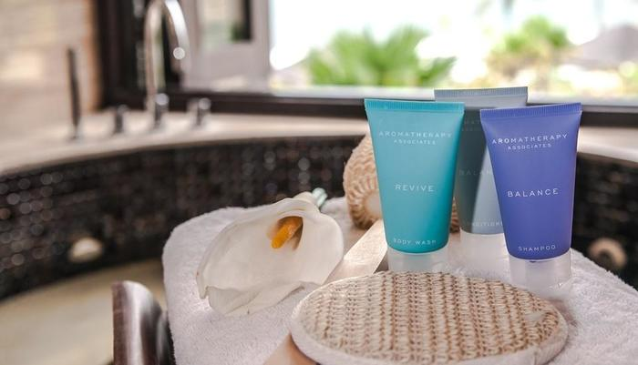 Seminyak Beach Resort Bali - The Suite Jacuzzi Bath amenities