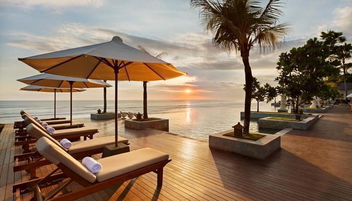 Seminyak Beach Resort Bali - Kolam Renang dengan Pemandangan