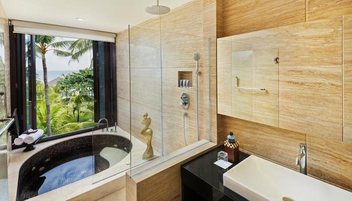 Seminyak Beach Resort Bali - Ocean Suite Jacuzzi