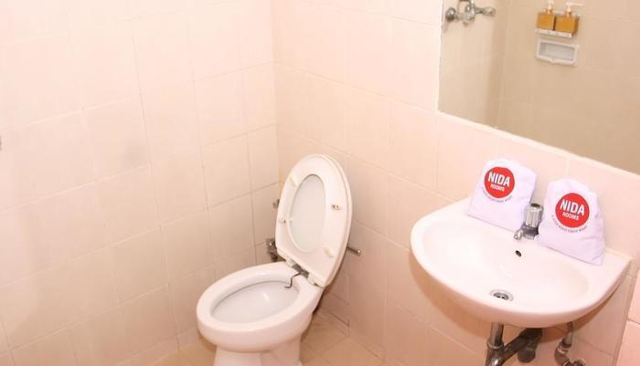 NIDA Rooms Surabaya University Mangga Besar - Kamar mandi