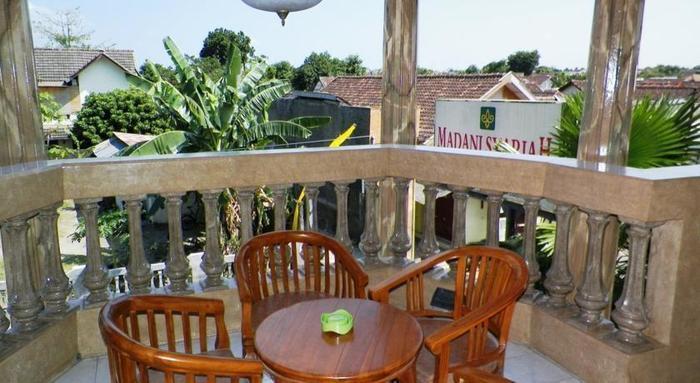 Hotel Madani Jogja - Balkon