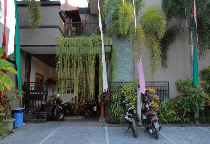 RedDoorz near Marlboro Bali - Eksterior