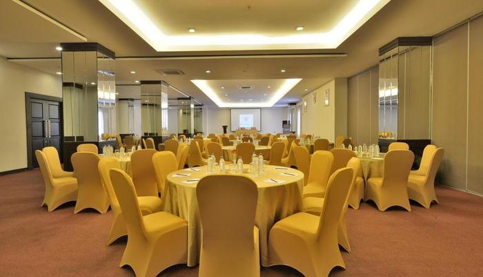Gino Feruci Kebon Jati - Meeting Room