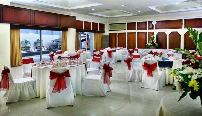Inna Simpang Tunjungan Surabaya - Ruang Rapat