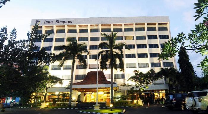 Inna Simpang Tunjungan Surabaya - Eksterior