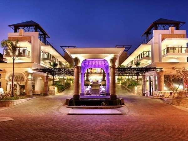 Grand Inna Bali - Pintu masuk utama