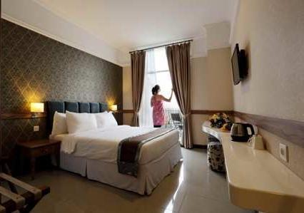Amarelo Hotel Solo - Junior Suite (04/Feb/2014)