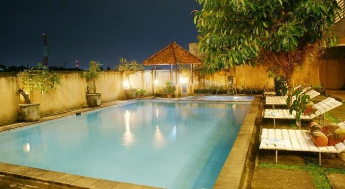 Hotel Augusta Valley Bandung - Swimming Pool
