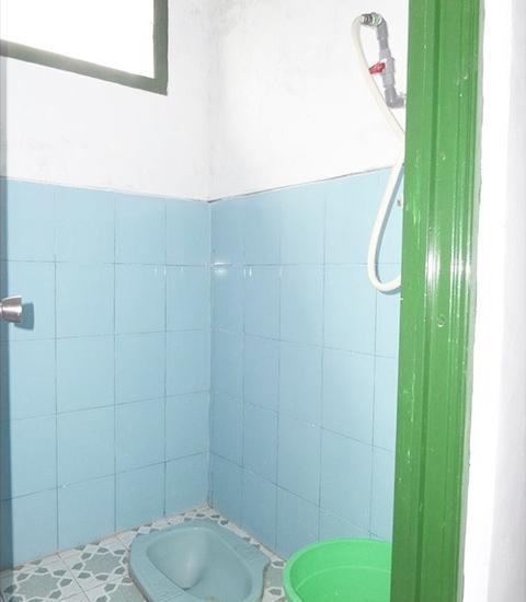 Losmen Setia Kawan II Probolinggo - Bathroom