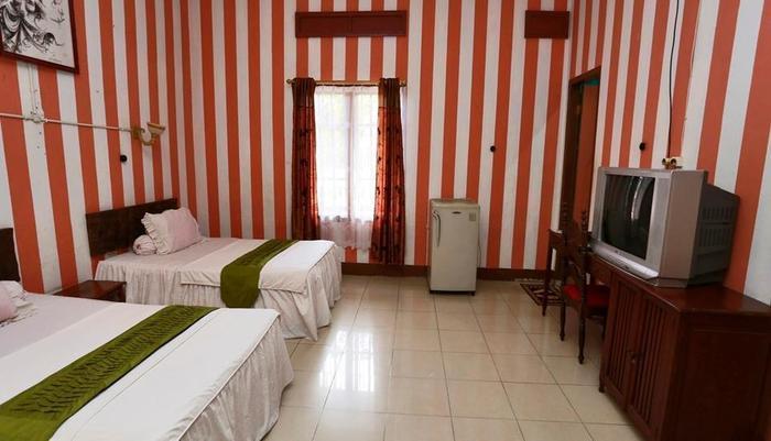 Harlika Jaya Hotel Belitung - Executive Twin