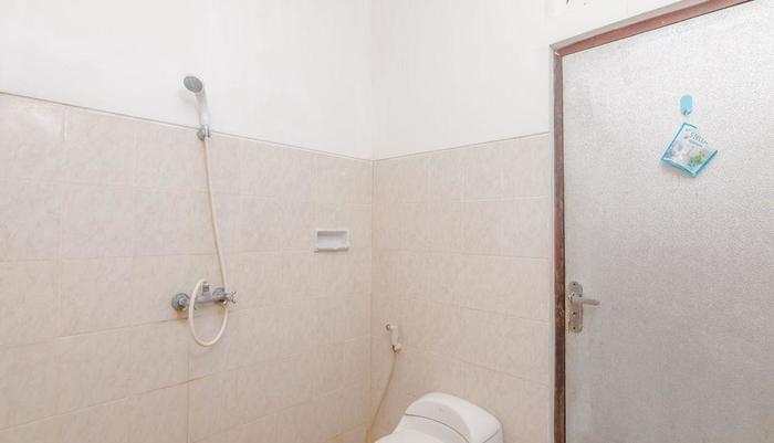 ZenRooms Soputan Raya Bali - Kamar mandi