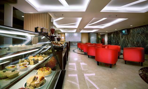 The Alana Surabaya Surabaya - Lounge