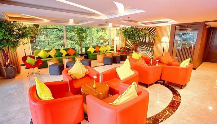 The Alana Surabaya Surabaya - Lounge lobi