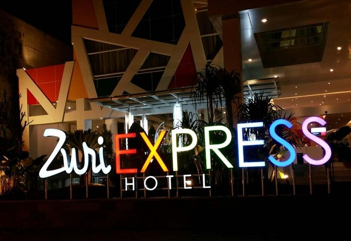 Zuri Express Mangga Dua - Hotel Logo