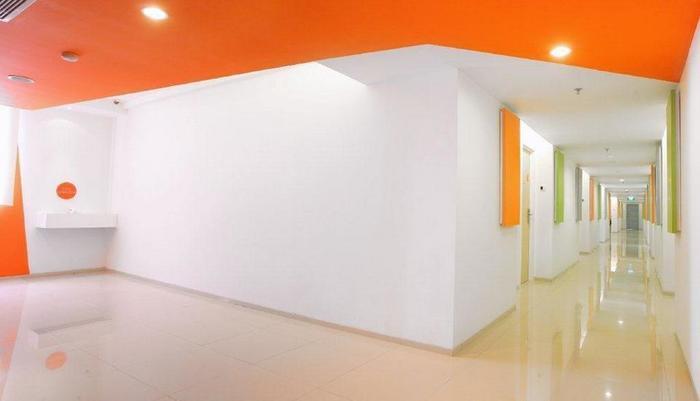 Zuri Express Mangga Dua - Corridor