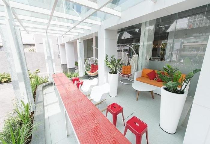 Zuri Express Mangga Dua - Relax Area