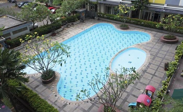 RedDoorz Apartment @Sentra Timur Jakarta - Kolam Renang
