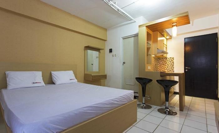 RedDoorz Apartment @Sentra Timur Jakarta - Kamar tamu