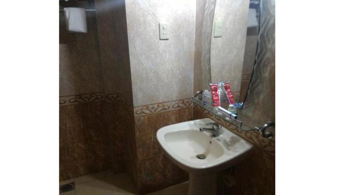 Hotel Merdeka Madiun - Kamar mandi