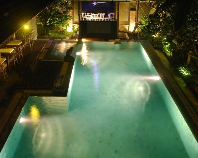 The Edelweiss Hideaway Solo - PADI swimming pool