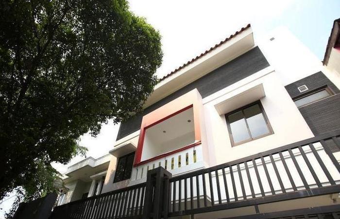 RedDoorz at Kemandoran Jakarta - Eksterior