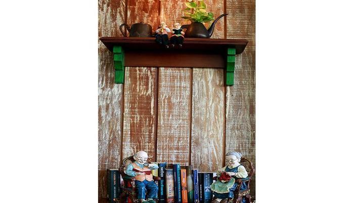 Maison At C Boutique Hotel Bali - Maison Library