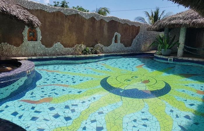 Hotel La Hasienda Kupang - Pool