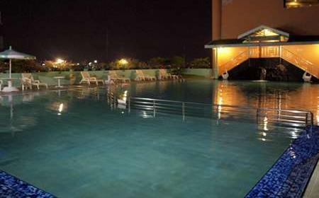 Hotel Tunjungan Surabaya -