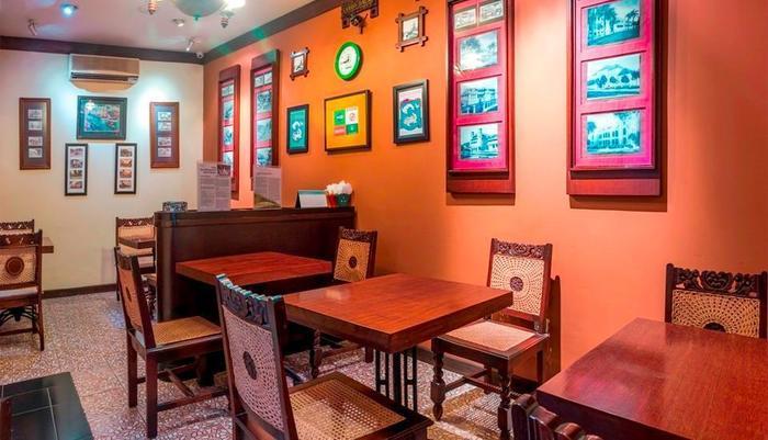 Dhanesvara Homestay Surabaya - Ruang makan