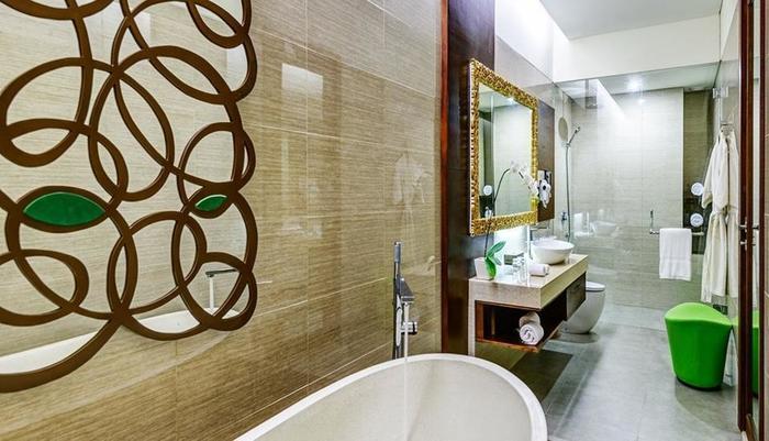 Inaya Putri Bali - Kamar mandi