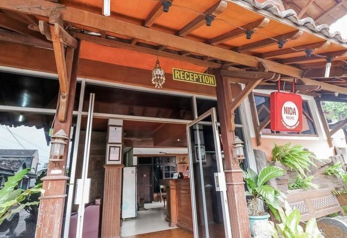 NIDA Rooms Mantrijeron Tugu Station - Resepsionis