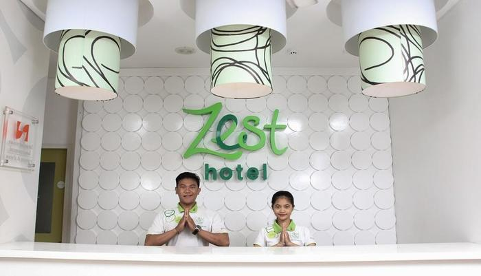 Zest Hotel Legian Bali - Reception